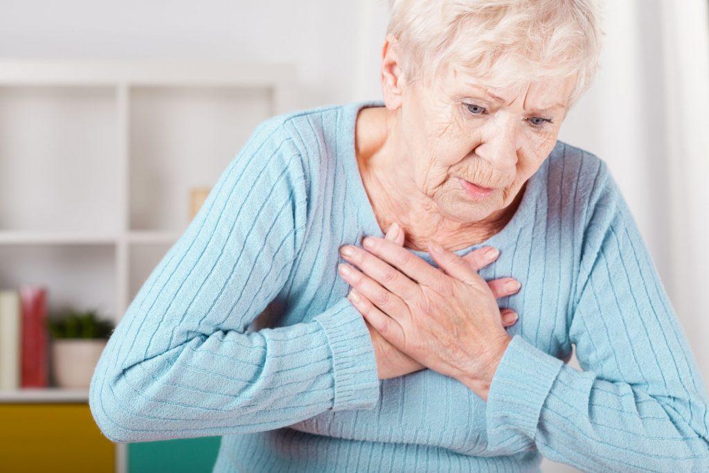 que sintomas tiene la angina de pecho