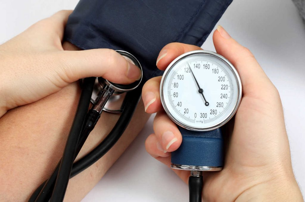 sintomas de tension arterial alta y baja