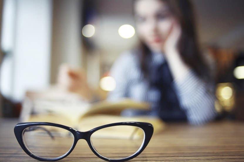 síntomas del desprendimiento de retina causas